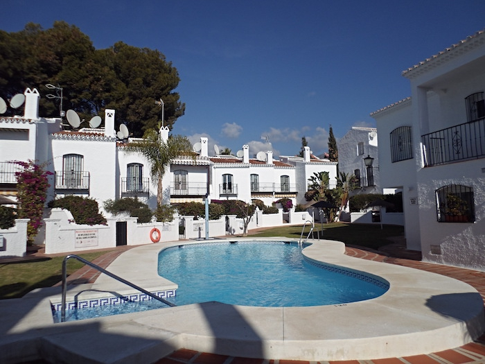 Los Pinos Nerja holiday apartments